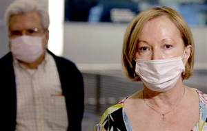 090428-Swine-Flu-mask-hmed-5p.hmedium