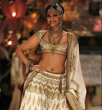 Sonam Kapoor turns into a beautiful bride